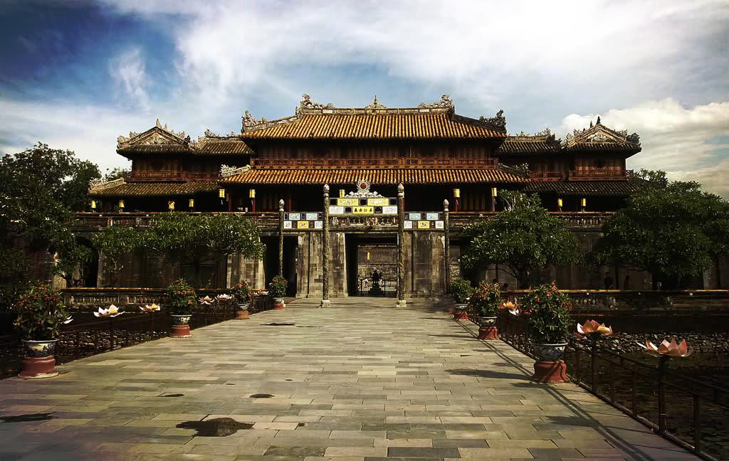 Đinh Hương Nguyên độc đáo tại chùa Thiên Mụ Huế