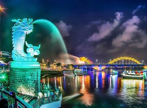 Cầu rồng phun lửa, nước